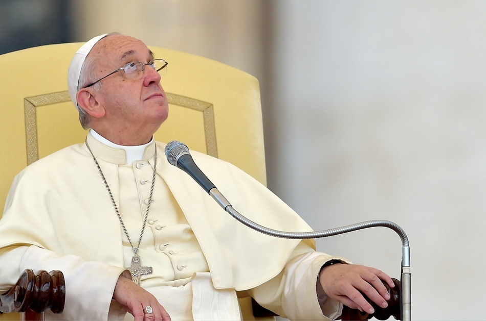 afp. hét képei - Vatikánváros, 2015.09.02. Ferenc pápa, Pope Francis looks on during his weekly audience in Saint Peter's square at the Vatican on September 2, 2015.